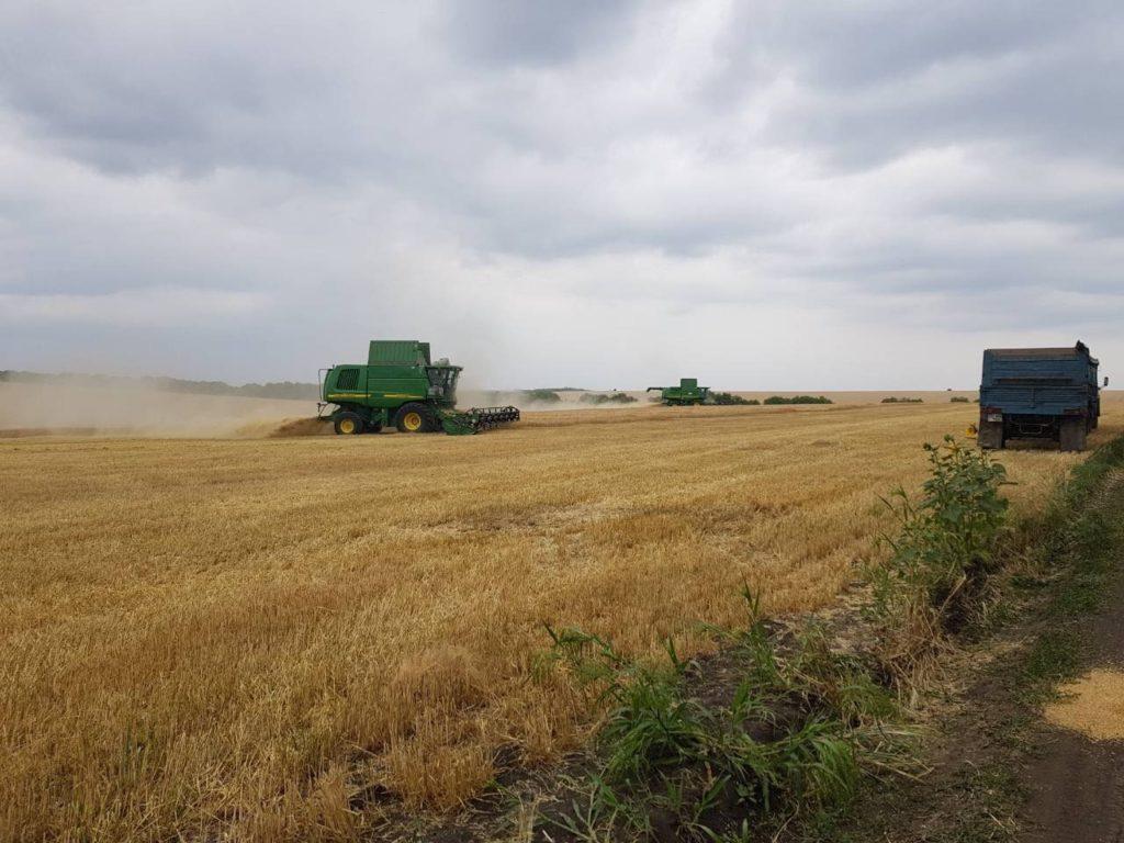 Recoltarea cerealelor cu combine agricole in Moldova-Alvar Service SRL - FOTO
